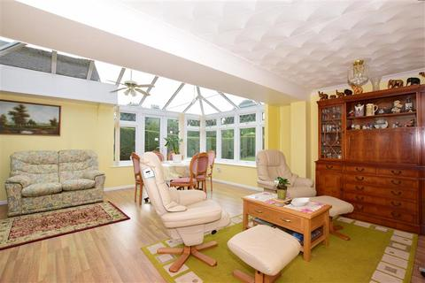 3 bedroom detached bungalow for sale - Willow Wood Road, Meopham, Kent