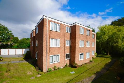 2 bedroom flat for sale - Steepdene, Lower Parkstone, Poole