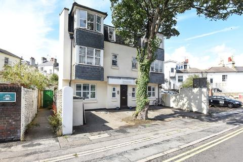 2 bedroom flat for sale - Bath Street Brighton East Sussex BN1