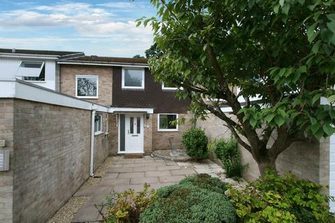 3 bedroom terraced house to rent - Ingleglen, Farnham Common, Buckinghamshire SL2