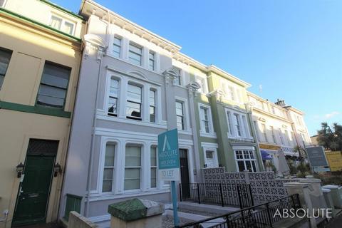 2 bedroom apartment to rent - Belgrave Road, Torquay