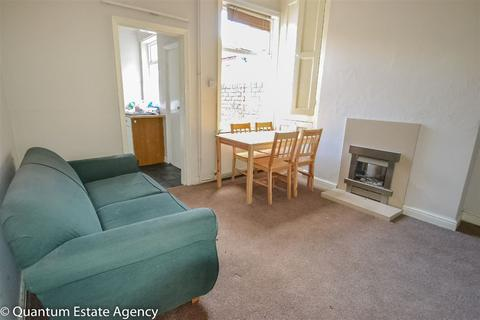 3 bedroom terraced house to rent - Horner St, YO30