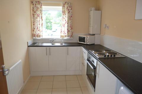 1 bedroom flat to rent - 16 Oaktree AvSkettySwansea