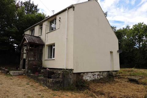 3 bedroom property with land for sale - Croesyceiliog, Carmarthen