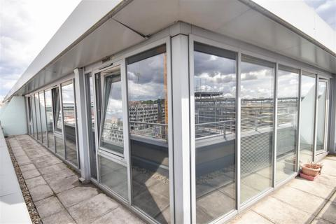 2 bedroom penthouse for sale - Block 2, The Hicking Building, Queens Road Nottingham