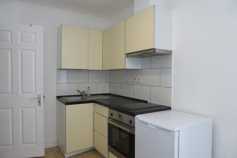 Studio to rent - Brunswick Terrace - P1614