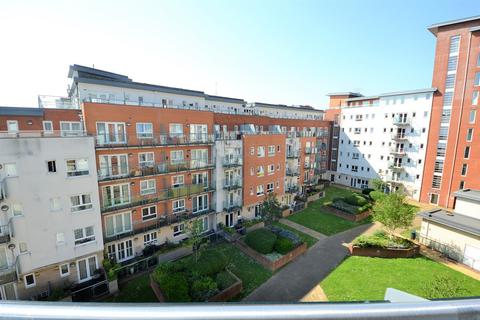 2 bedroom apartment for sale - Oceana Boulevard - Southampton