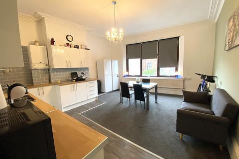 6 bedroom flat - Albert Road, Southsea