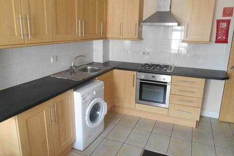 6 bedroom flat to rent - Station Street, Portsmouth