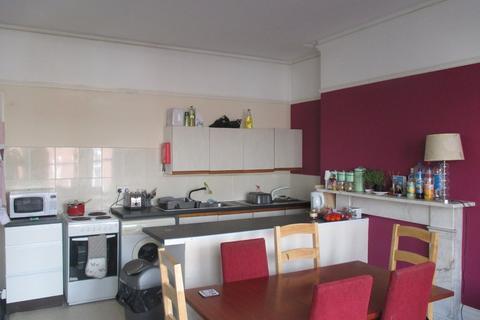 6 bedroom maisonette to rent - Osborne Road, Southsea