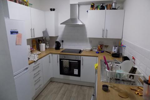 3 bedroom terraced house to rent - *NO STUDENT FEES 2019* Queen Street, Portsmouth