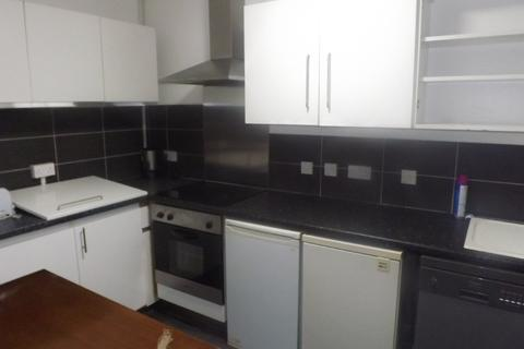 5 bedroom apartment to rent - *NO STUDENT FEES 2019* Somers Road, Southsea