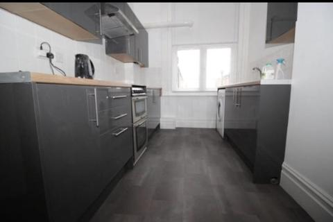 5 bedroom apartment to rent - *NO STUDENT FEES 2019* Elm Grove, Southsea