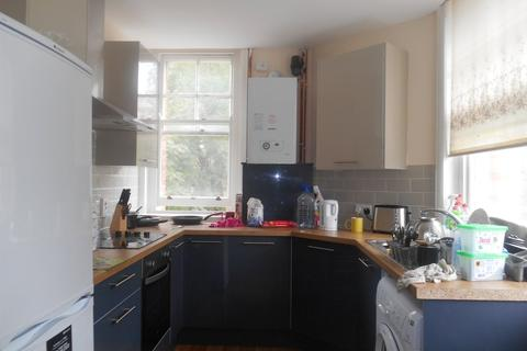 4 bedroom flat to rent - *NO STUDENT FEES 2020* Aylward Street, Portsmouth