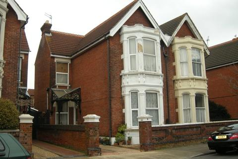 Studio to rent - Nettlecombe Avenue, Southsea