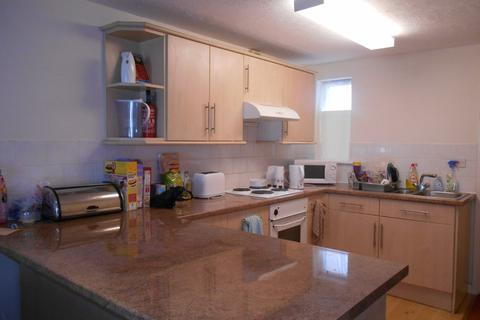 2 bedroom flat to rent - Pains Road, Southsea