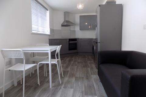 3 bedroom apartment to rent - Kingston Road, Portsmouth