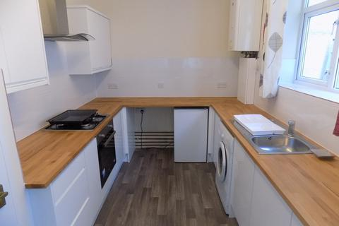 4 bedroom semi-detached house to rent - *NO STUDENT FEES*Fawcett Road, Southsea