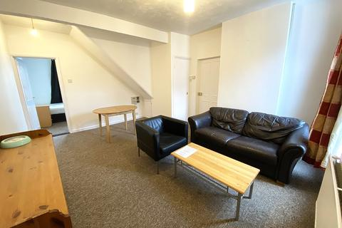 3 bedroom flat to rent - Albert Road, Southsea