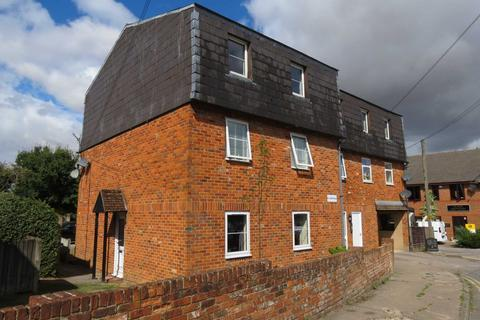 2 bedroom maisonette for sale - Mayfield Court, Marlborough