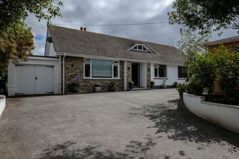 3 bedroom house for sale - Tamarisk, Old School Road, Rock