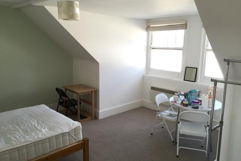 1 bedroom flat share to rent - Church Road, Hove BN3