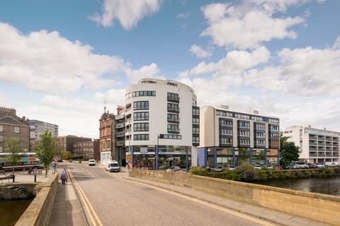 2 bedroom flat for sale - 82/14 The Shore, Edinburgh, EH6 6RG