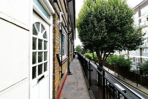 2 bedroom flat for sale - Benworth Street, London