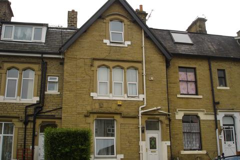 4 bedroom house to rent - Shipley Fields Road BD18