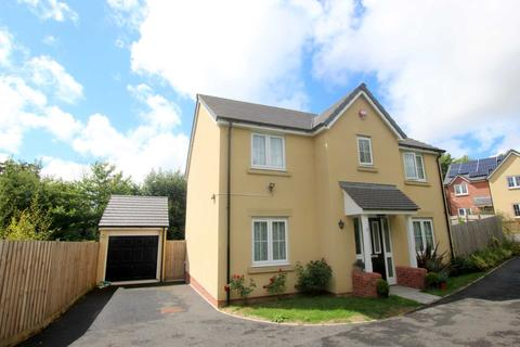4 bedroom detached house for sale - May Court, Mines Road