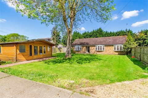 3 bedroom detached bungalow for sale - Thorney Mill Road, Iver, Buckinghamshire