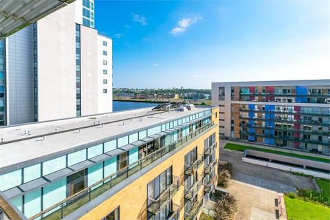 2 bedroom flat for sale - Douglas House, Ferry Court, Cardiff, South Glamorgan