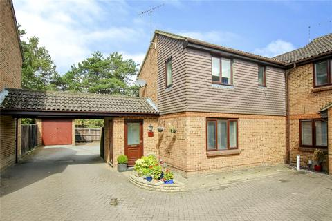 3 bedroom end of terrace house to rent - Bruton Way, Forest Park, Bracknell, Berkshire, RG12
