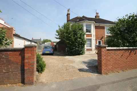 1 bedroom flat for sale - London Road, Burgess Hill, West Sussex