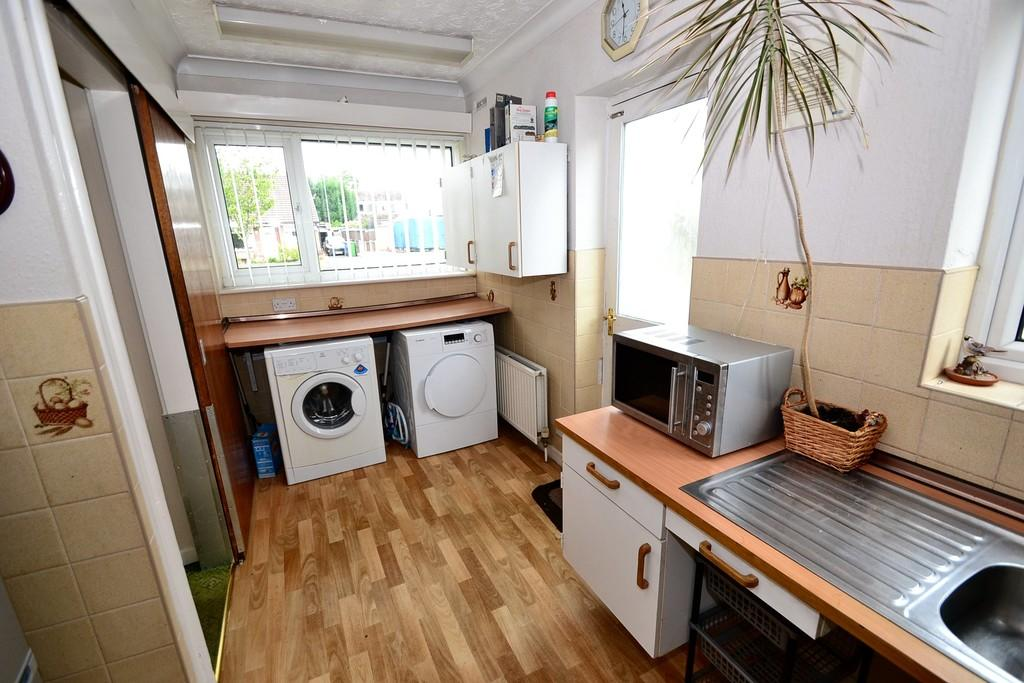 Kitchen (reverse)