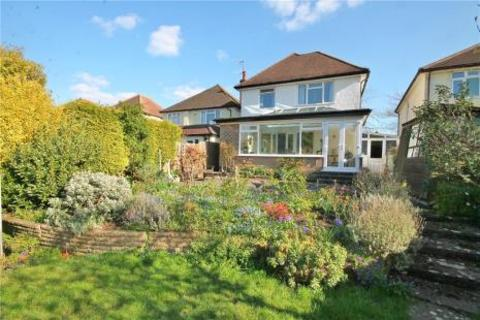 3 bedroom detached house for sale - Claremount Gardens, Epsom
