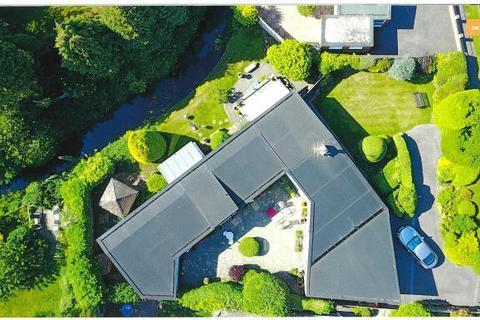 3 bedroom detached bungalow for sale - Ferring Lane, Ferring, West Sussex, BN12 6QT