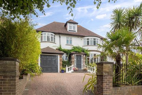 7 bedroom detached house for sale - Shirley Drive, Hove