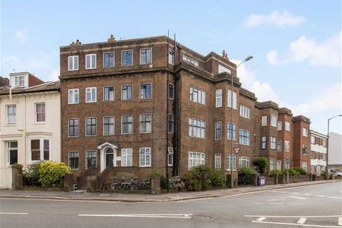 2 bedroom flat for sale - Buckingham Close, Brighton, East Sussex