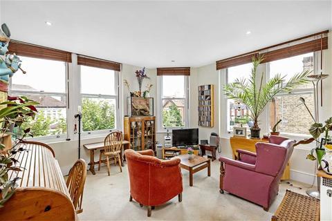 2 bedroom flat for sale - Moyser Road, Furzedown, London