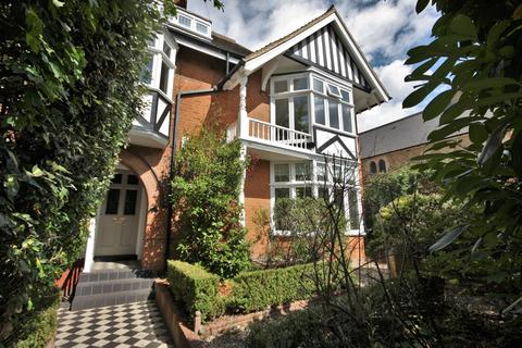 5 bedroom detached house for sale - Queens Road, Brentwood, CM14