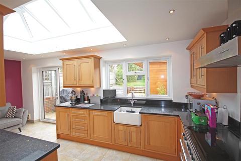 3 bedroom semi-detached house for sale - Graham Avenue, Patcham, Brighton