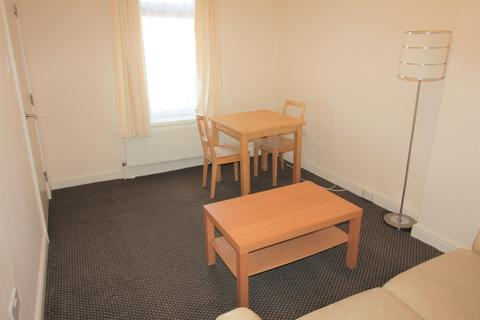 1 bedroom flat to rent - Minister , Cathays, Cardiff