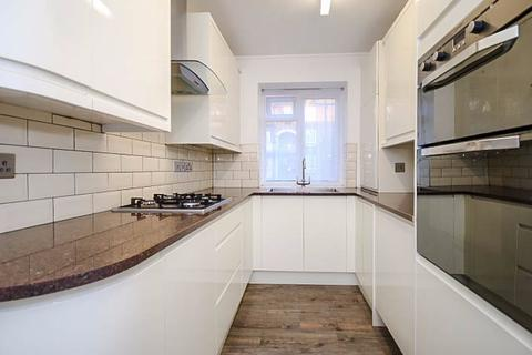 3 bedroom apartment to rent - Great Dover Street, London, SE1