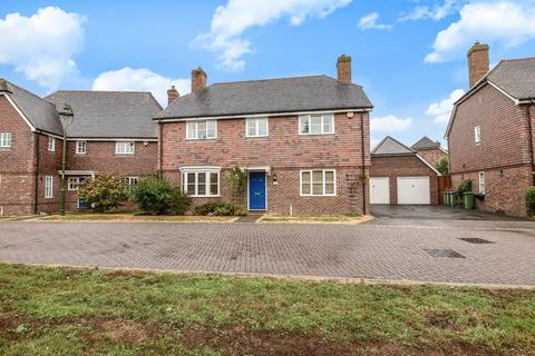 5 bedroom detached house for sale - Barrow Close, Billingshurst, RH14