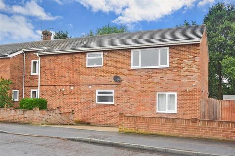 4 bedroom semi-detached house for sale - Swallow Road, Birds Estate, Larkfield, Kent