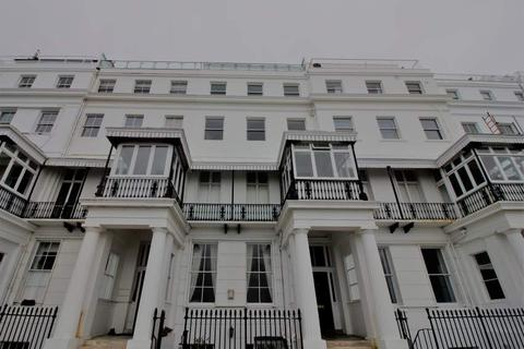 2 bedroom flat to rent - CHICHESTER TERRACE - KEMPTOWN SEAFRONT - DIRECT SEAVIEWS