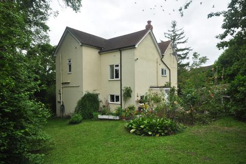 4 bedroom detached house to rent - Downs Road Istead Rise DA13