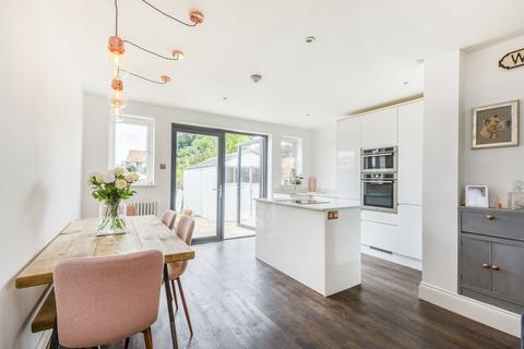 3 bedroom semi-detached house for sale - Welling DA16