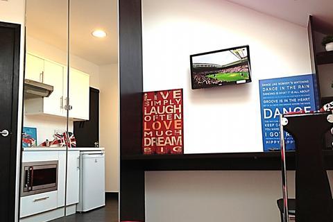Studio to rent - 24 Dale Road RM5, C4-HMO  (OPPOSITE UNIVERSITY: REF 100D1)